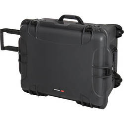 Nanuk 960 Protective Rolling Case (Graphite)