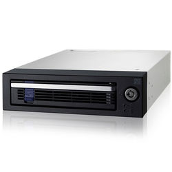 """Icy Dock DataCage Basic 3.5"""" SATA 6 Gbps Hot-Swap Mobile Rack HDD Enclosure in 5.25"""" Bay"""