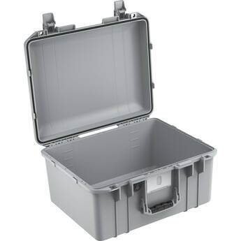 Pelican 1557AirNF Hard Carry Case with Liner, No Insert (Silver)