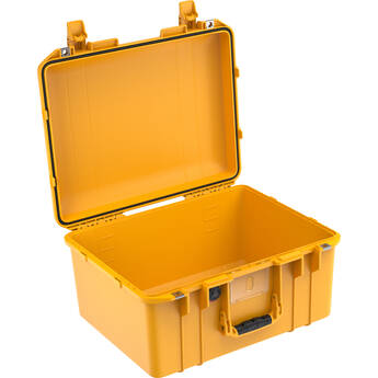 Pelican 1557AirNF Hard Carry Case with Liner, No Insert (Yellow)