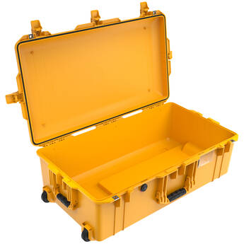 Pelican 1615AirNF Wheeled Hard Case with Liner, No Insert (Yellow)