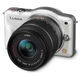 Panasonic Lumix DMC-GF3 Digital Camera with 14-42mm Lens Kit (White)