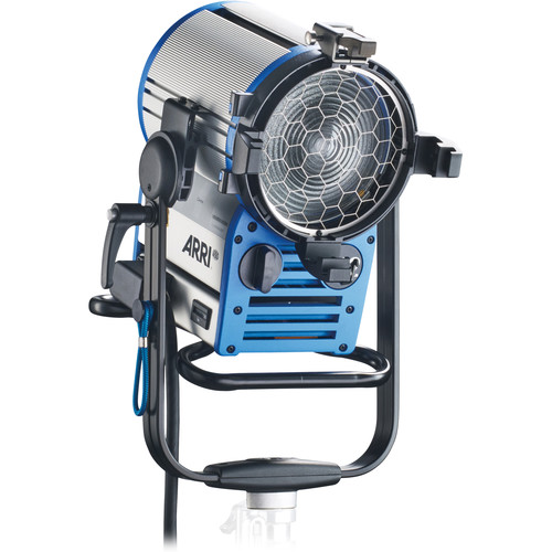 ARRI True Blue D12 HMI 1200W Fresnel Head