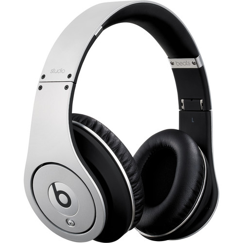 Beats by Dr. Dre Beats Studio - High-Definition Isolation Headphones (Silver)