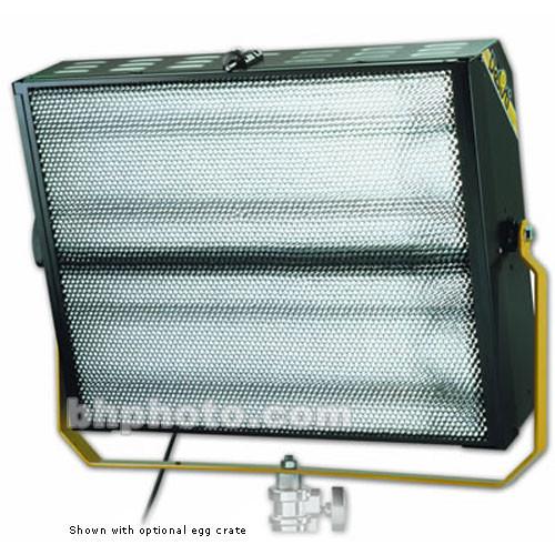 DeSisti Cyc De Lux 4x55W Fluorescent Fixture - Analog, Manual Control - 220 Total Watts (115-230V AC)