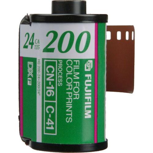Fujifilm Fujicolor 200 Color Negative Film (35mm Roll Film, 24 Exposures)