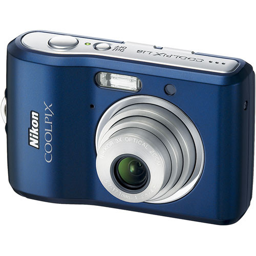Nikon Coolpix L18 Digital Camera (Navy)