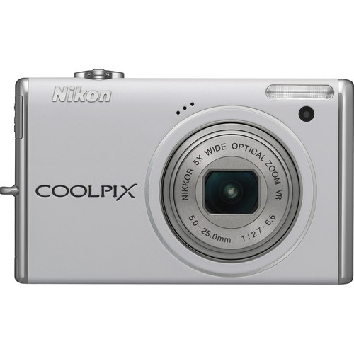 Nikon CoolPix S640 Digital Camera (White)