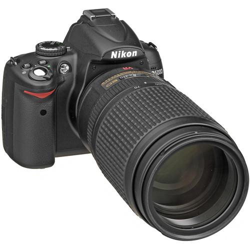 Nikon D5000 Digital SLR Camera with  70-300mm VR  f/4-5.6G Lens