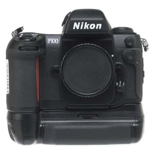 Nikon F100 35mm SLR Auto Focus Camera with MB-15 Battery Pack
