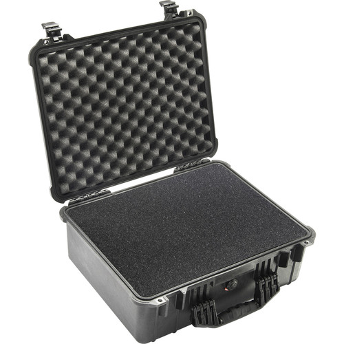 Pelican 1550 Case with 4-Piece Foam Set (Black)