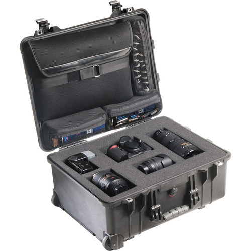 Pelican 1560LFC Case With Foam In Base (Black)