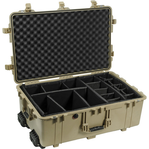 Pelican 1654 Waterproof 1650 Case with Black Dividers (Desert Tan)