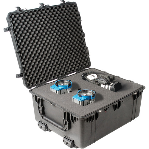 Pelican 1690 Transport Case with Foam (Black)