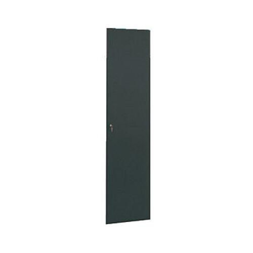 Winsted Locking Solid Door