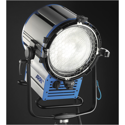 ARRI True Blue D40 4000W HMI Fresnel (Black)