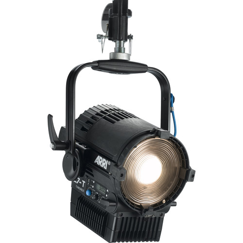 "ARRI L7-TT 7"" Tungsten LED Fresnel with powerCON Cable (Black, Pole Operated)"