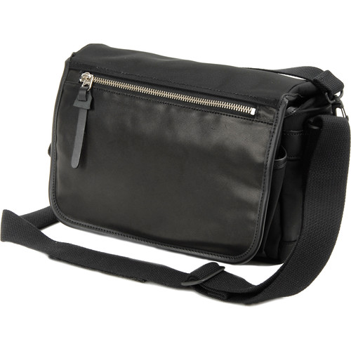 Artisan & Artist GCAM-7200 Camera Bag (Black)
