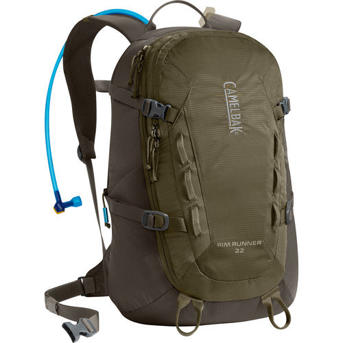 CAMELBAK Rim Runner 22 Backpack with 3L Reservoir (Dusky Green/Black Olive)