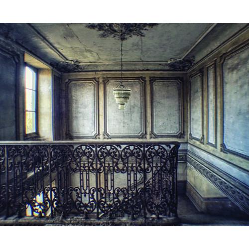 Click Props Backdrops Abandoned Staircase Backdrop (8 x 9.84')