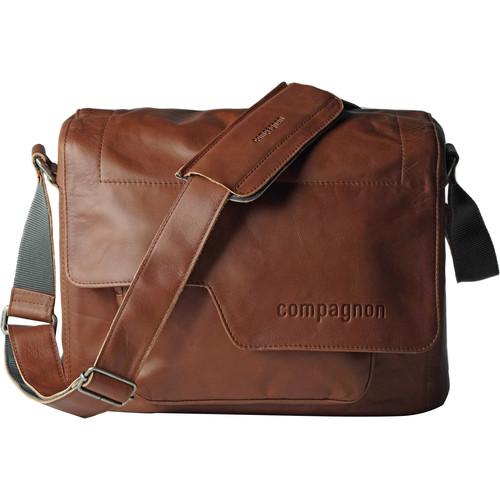 "compagnon ""the medium messenger"" Camera Bag (Light Brown, Leather)"
