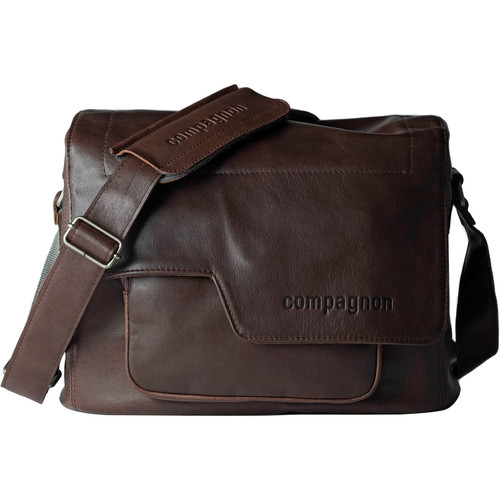 "compagnon ""the medium messenger"" Leather Camera Bag (Dark Brown)"