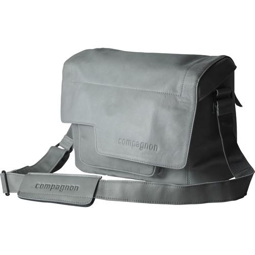 "compagnon ""the medium messenger"" Leather Camera Bag (Gray)"
