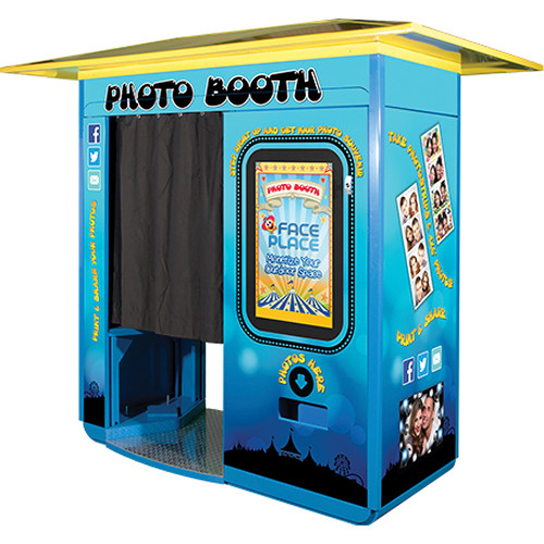 FACEPLACE Theme Park Edition Photo Booth