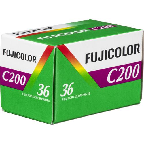 FUJIFILM Fujicolor 200 Color Negative Film (35mm Roll Film, 36 Exposures, Short-Dated 01/2019)