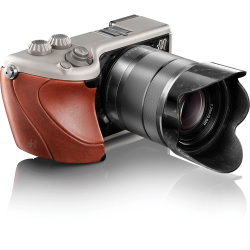 Hasselblad Lunar Mirrorless Digital Camera with 18-55mm Lens (Brown Tuscan Leather)