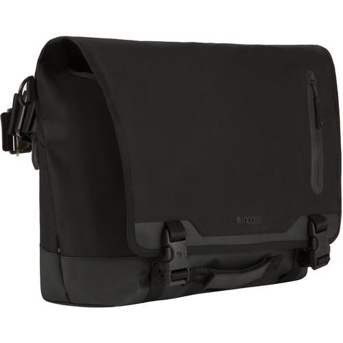 Incase Designs Corp Sport Messenger Bag (Black)