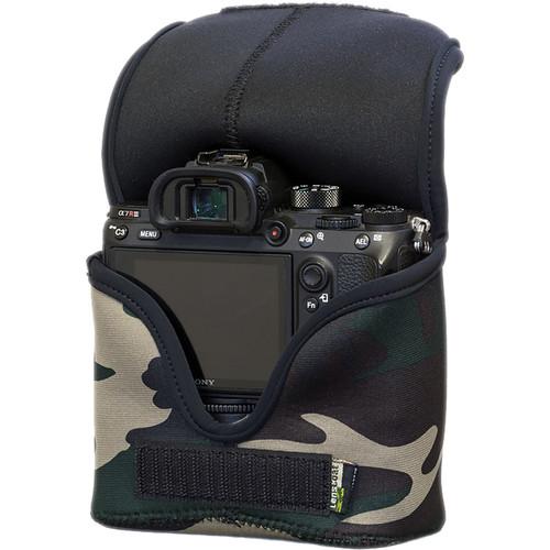 LensCoat BodyBag Mwith Grip for Sony Alpha a7 III, a7R III, a7R IV, a9, a9II (Green Camo)