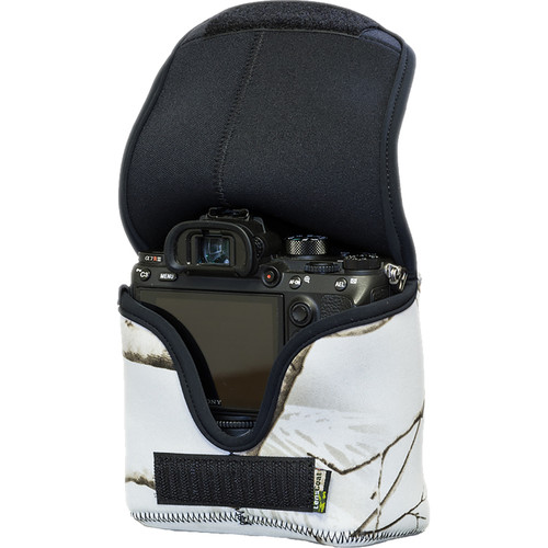 LensCoat BodyBag Mwith Grip for Sony Alpha a7 III, a7R III, a7R IV, a9, a9II (Realtree AP Snow Camo)