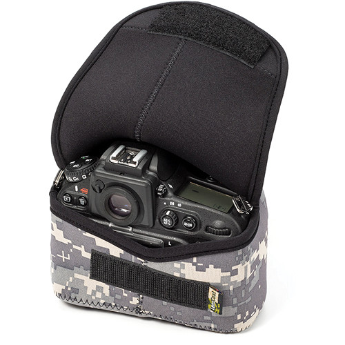 LensCoat BodyBag Plus DSLR Body Case for Nikon D800, D810 (Digital Camo)