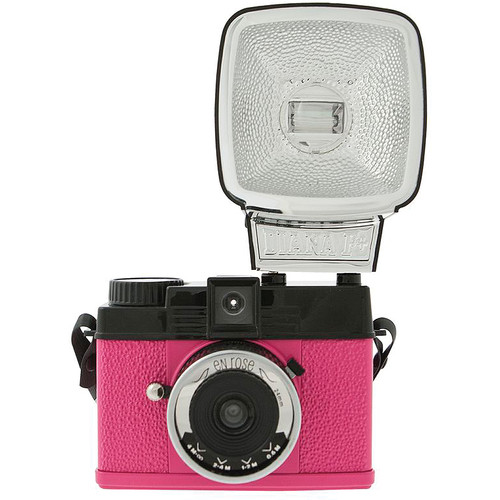 Lomography Diana Mini 35mm Camera with Flash (En Rose)