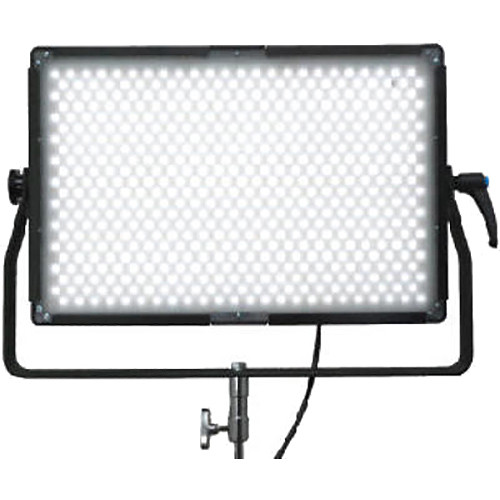 Lumos 700GT 3200 to 5600K LED Panel with 55° Beam Angle Lens