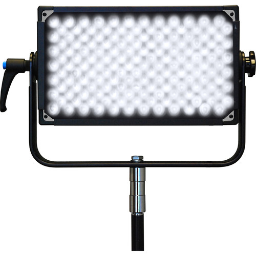 Lumos 200GT 5600 Daylight Panel with Lens