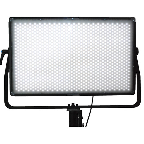 Lumos 700F LED Light with Diffusion Lens (5,600K)