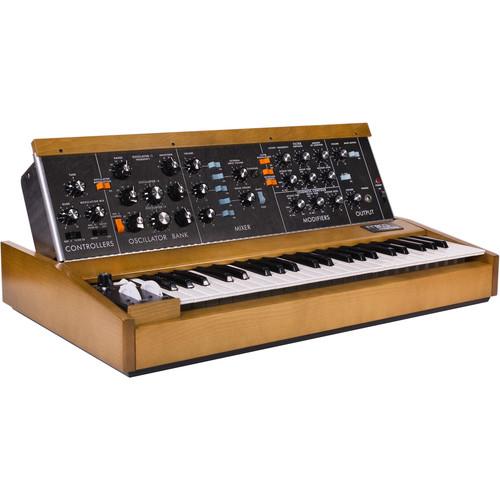 Moog Minimoog Model D Classic Monophonic Analog Synthesizer