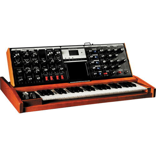 Moog Minimoog Voyager Monophonic Synthesizer (Performer Edition, Blue LEDs)