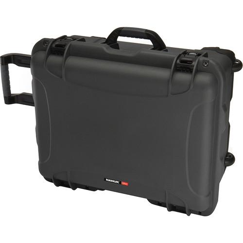 Nanuk 950 Protective Rolling Case (Graphite)