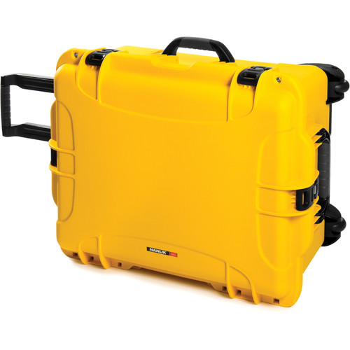 Nanuk 960 Protective Rolling Case (Yellow)