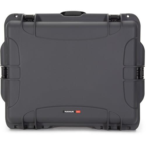Nanuk 960 Rolling Case (Graphite)
