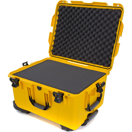 Nanuk 960 Hard Rolling Case with Foam (Yellow)