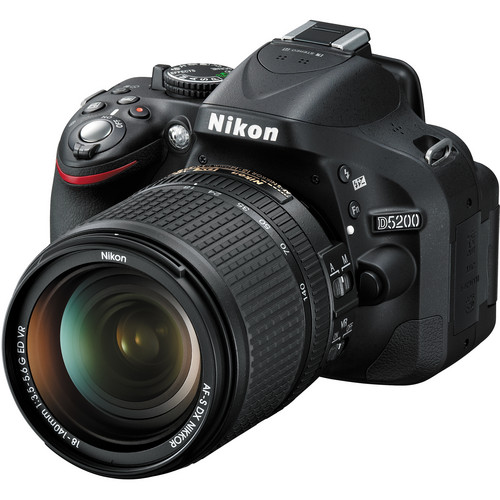 Nikon D5200 DSLR Camera with 18-140mm VR DX Lens