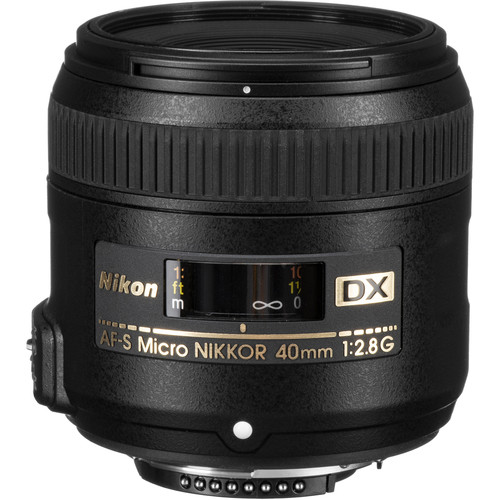 Nikon AF-S DX Micro-NIKKOR 40mm f/2.8G Lens with Accessory Kit