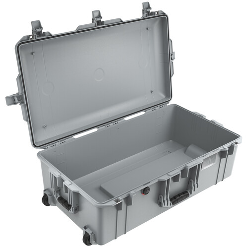 Pelican 1615AirNF Wheeled Hard Case with Liner, No Insert (Silver)