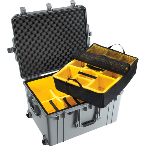 Pelican 1637 Air Case (Black, Padded Dividers)