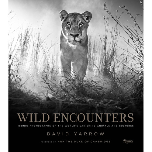Penguin Book: Wild Encounters: Iconic Photographs of the World's Vanishing Animals and Cultures
