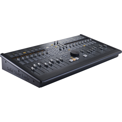 Solid State Logic Solid State Logic  Nucleus 2 Dark 16-Fader Daw Controller With 2-Channel Mic